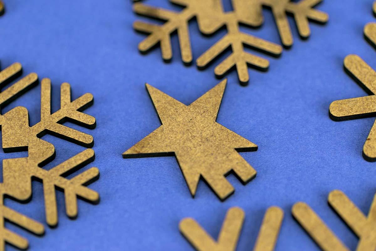 Felicitación de Navidad en DM cortado a láser 05
