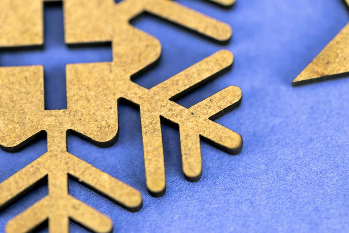 Felicitación de Navidad en DM cortado a láser 06