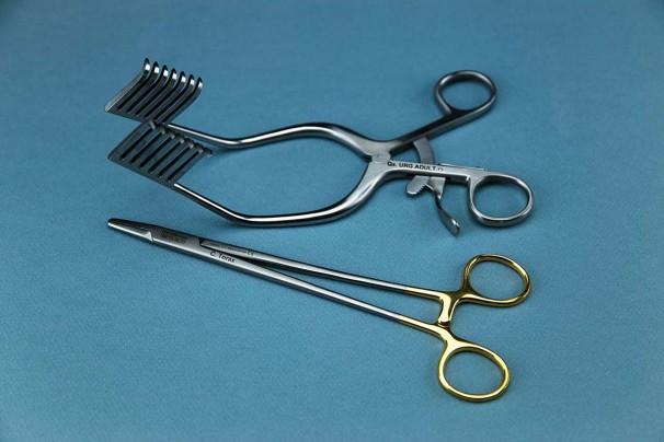 Grabado láser instrumental quirúrgico 1
